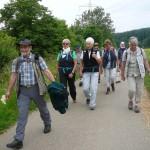21 Unser Wanderführer ist immer ein paar Meter voraus